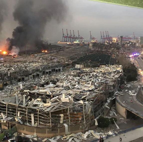 黎巴嫩首都贝鲁特的港口爆炸过后的场地